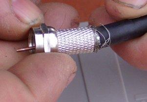 Instalar una antena para tdt bricocentro llomgar for Amplificador tv cable coaxial